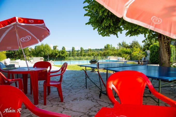 Camping-Village-vacances–Lac-Saint-Georges–Sarrecave–buvette