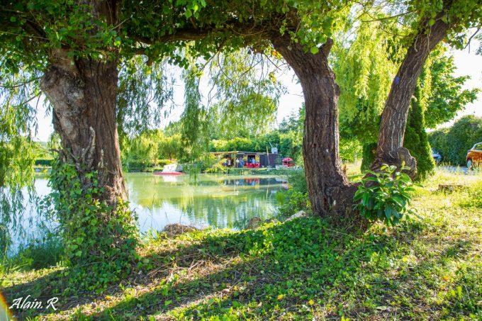 Camping-Village-vacances–Lac-Saint-Georges–Sarrecave