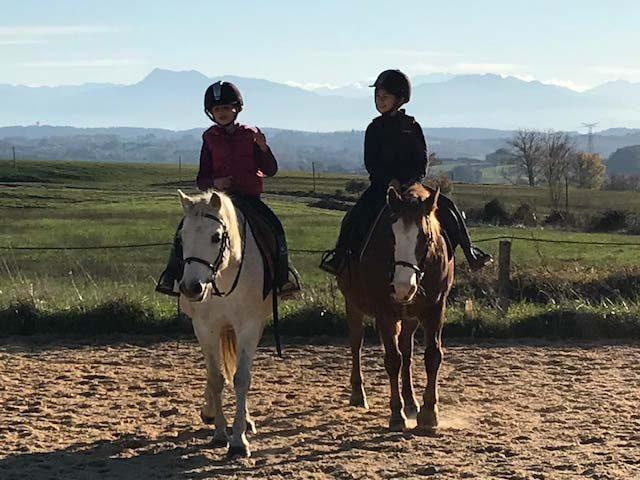 Centre-equestre-Les-farfadets–A-cheval—–Escanecrabe