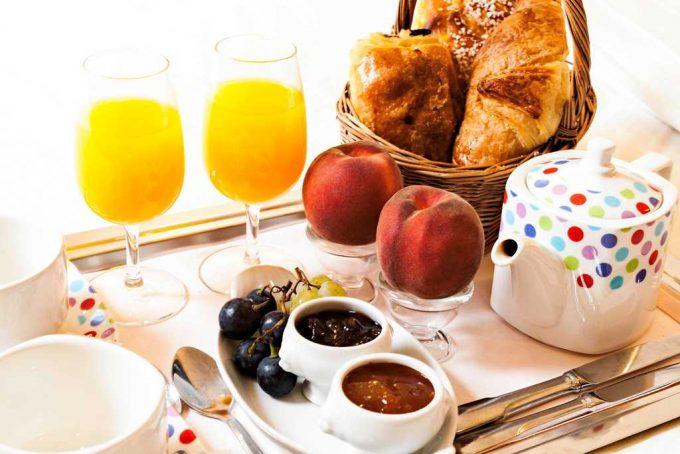 Petit-dejeuner-Hotel-du-Commerce-2