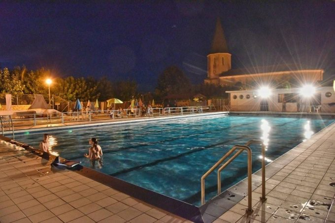 Piscine-Nocturne-aout-2015-MONTMAURIN