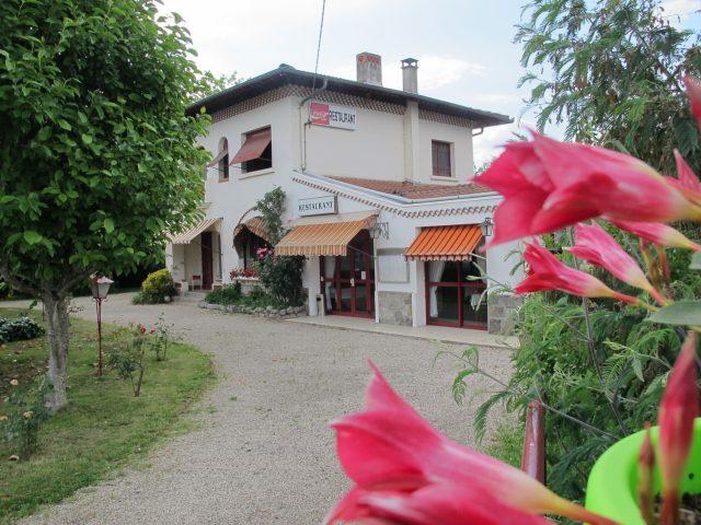 exterieur-restaurant-hostellerie-du-parc-LABARTHE