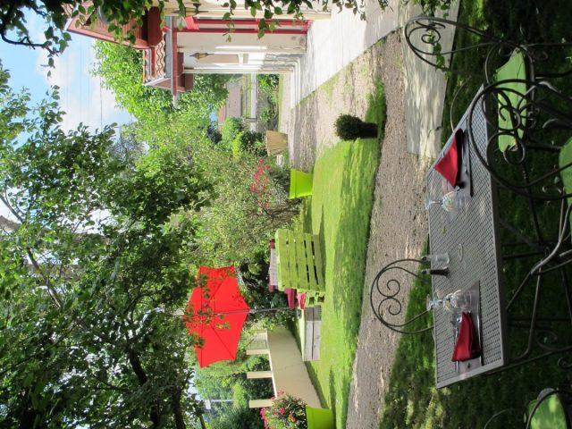 jardin-hostellerie-du-parc-LABARTHE